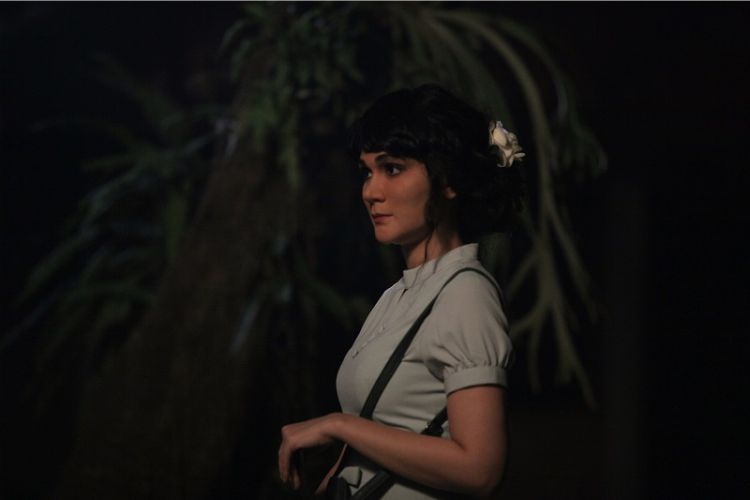 Suzzanna: Bernapas dalam Kubur - Film Indonesia Terlaris